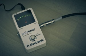 Many electronic tuners can be used even when there is noise all around.